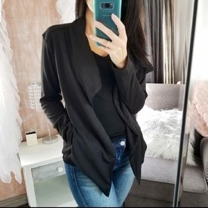 Reposh- Cascade Waterfall Black Soft Blazer